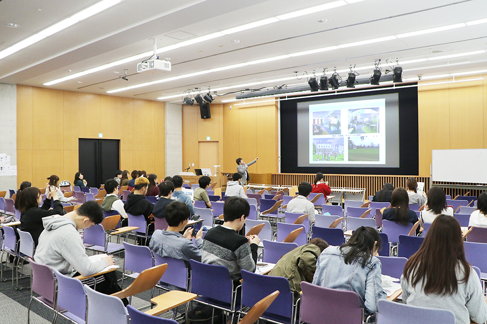 夏期短期留学プログラムの申込みがスタート。国際交流センター「留学フェア」開催報告