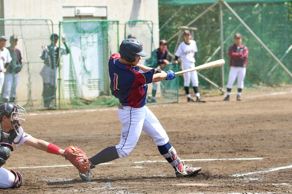 [硬式野球部]春季リーグ戦第三戦は延長タイブレークを逆転サヨナラ勝ちで制す