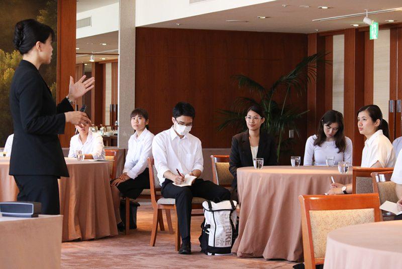 都心のラグジュアリーホテルを見学。「企業見学会」(パーク ハイアット 東京)の模様