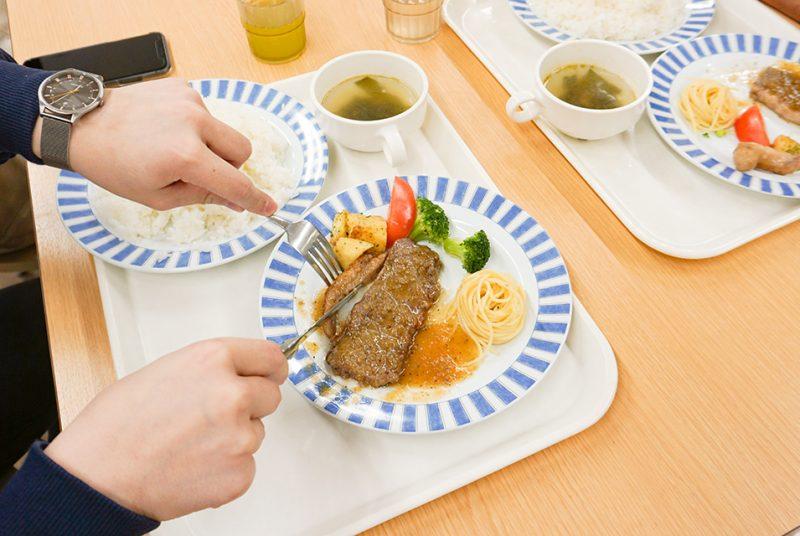ラーメンフェアにワンコインステーキ。秋学期の学食イベント報告