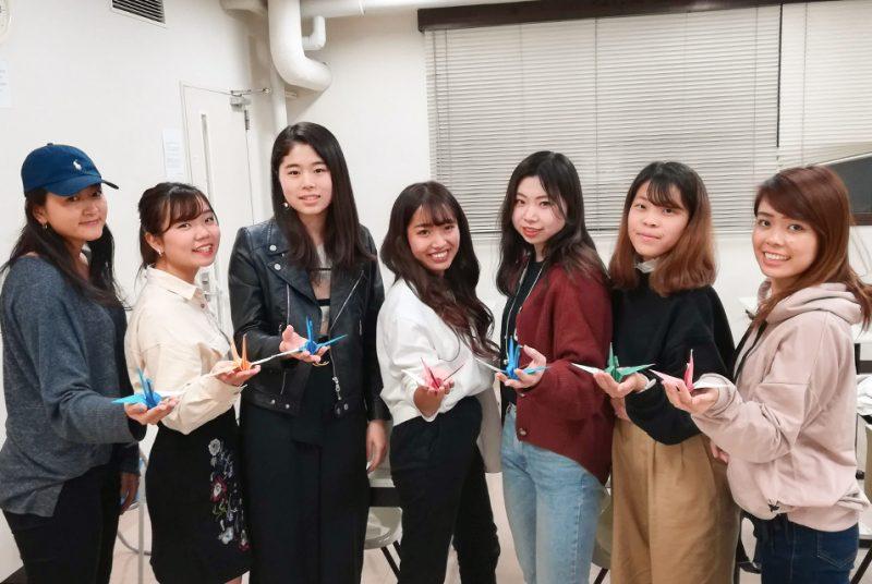 英語コミュニケーション学科の学生とICPの1年生がTOKYO2020の「PEACE ORIZURU」活動に参加