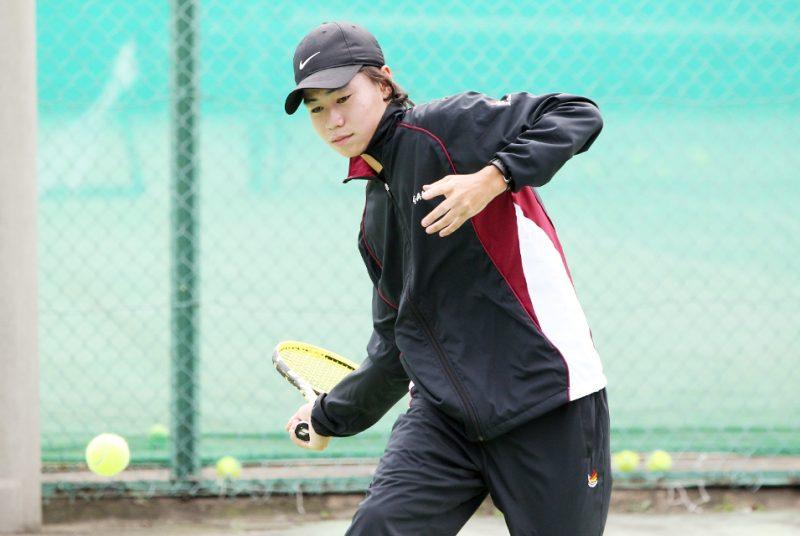 [テニス部]男子テニス部2年の小野選手が全日本テニス選手権大会山梨県予選会で優勝